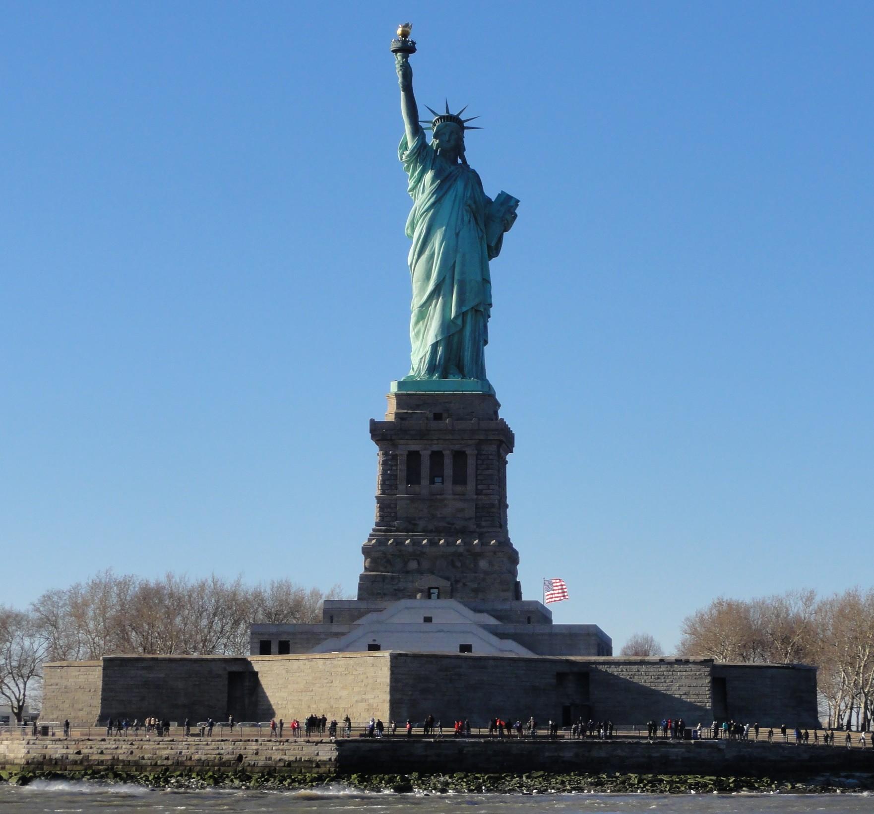 Manhattan downtown 11 septembre wall street et statue for Createur statue de la liberte